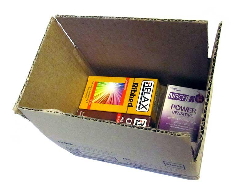 سالمید بسته بندی محرمانه کالای مجاز جنسی بدون نام و نشان در کارتن مقوایی